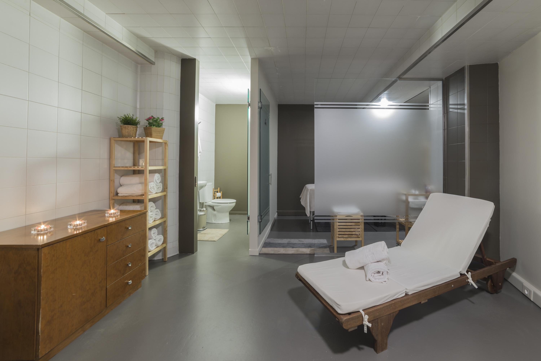 zona-relax-spa-sauna-masaje-ducha-apartaments-santmoritz-arinsal-andorra-vallnord5.jpg