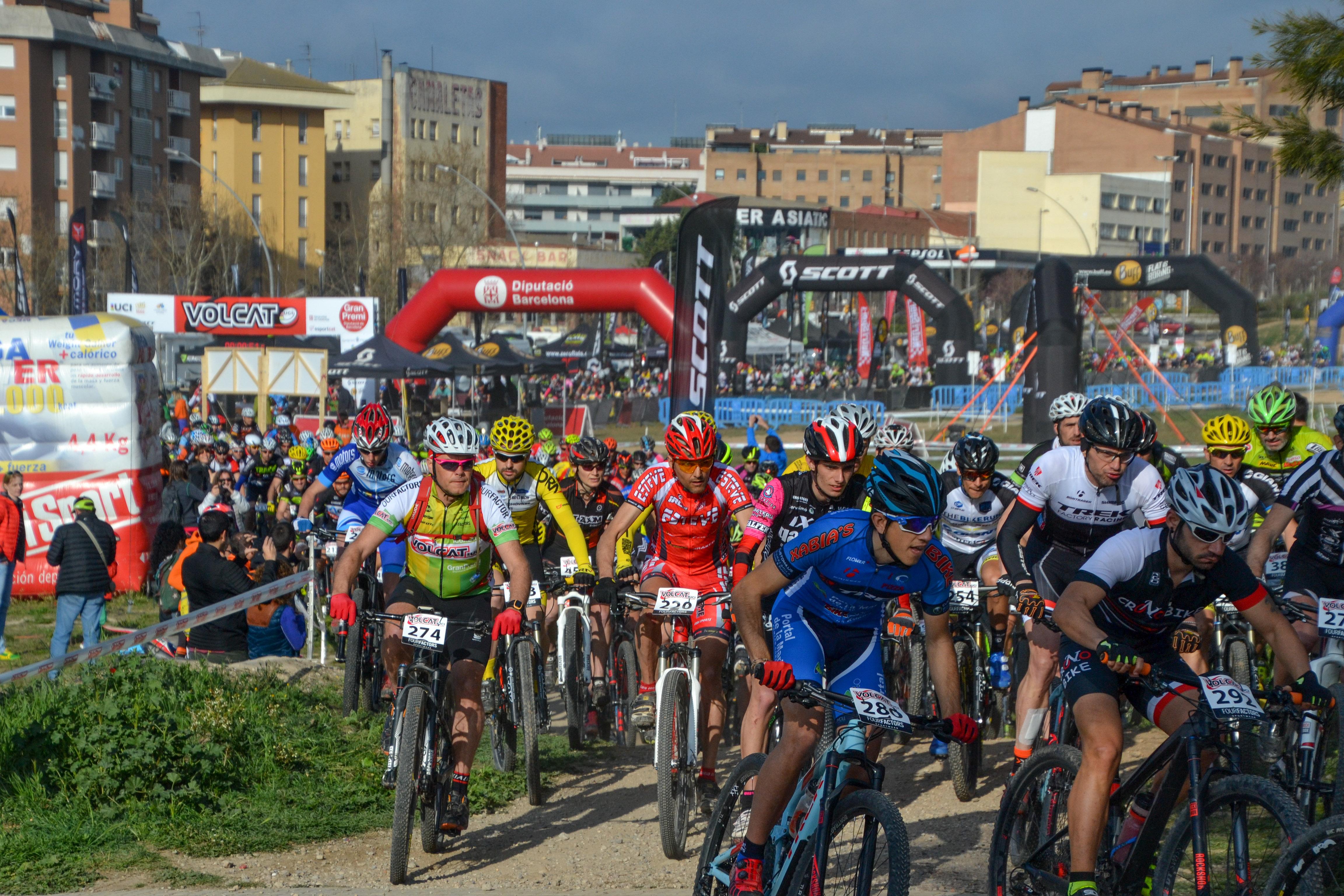 Leonardo P�ez y Annabella Stropparo repiten victoria y est�n a un paso de conquistar la VolCAT