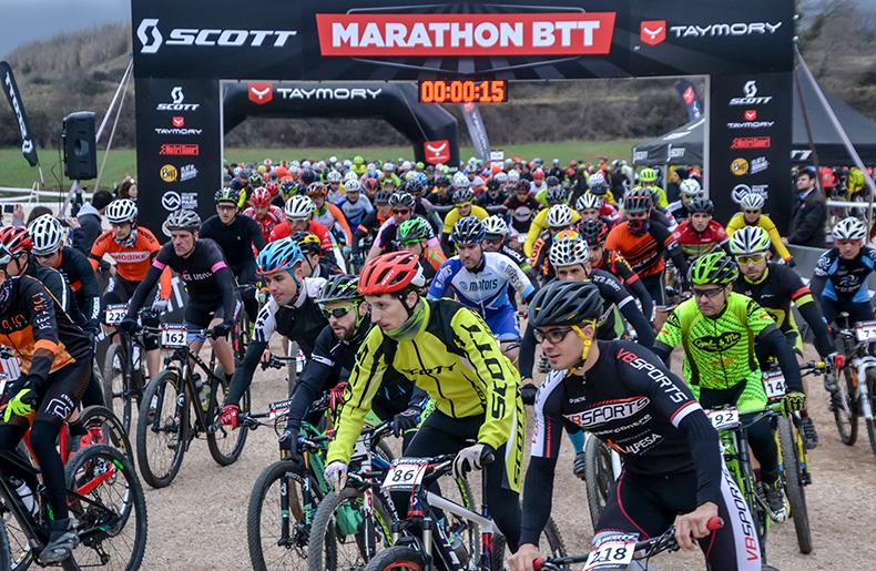 Francesc Guerra iVeerleCleiren guanyadors deL'SCOTT Marathon by Taymory deMediona