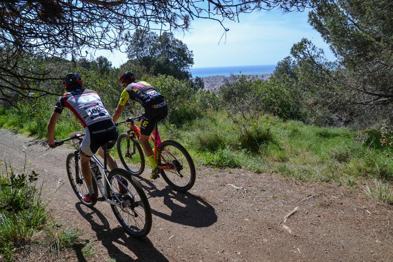 Francesc Guerra ySandra Santanyes ganadores enSanta Susanna ylíderesde la Copa Catalana Internacional BTT Biking Point