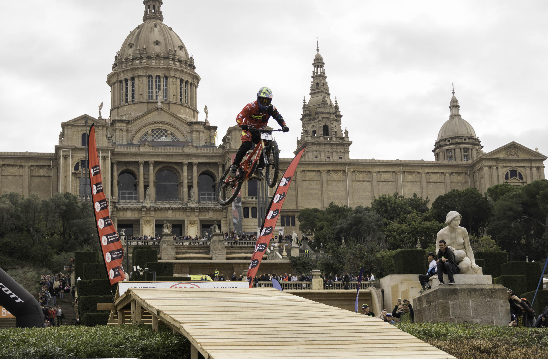 Jordi Simó s'emporta un ajustat BUFF® Down Urban Barcelona