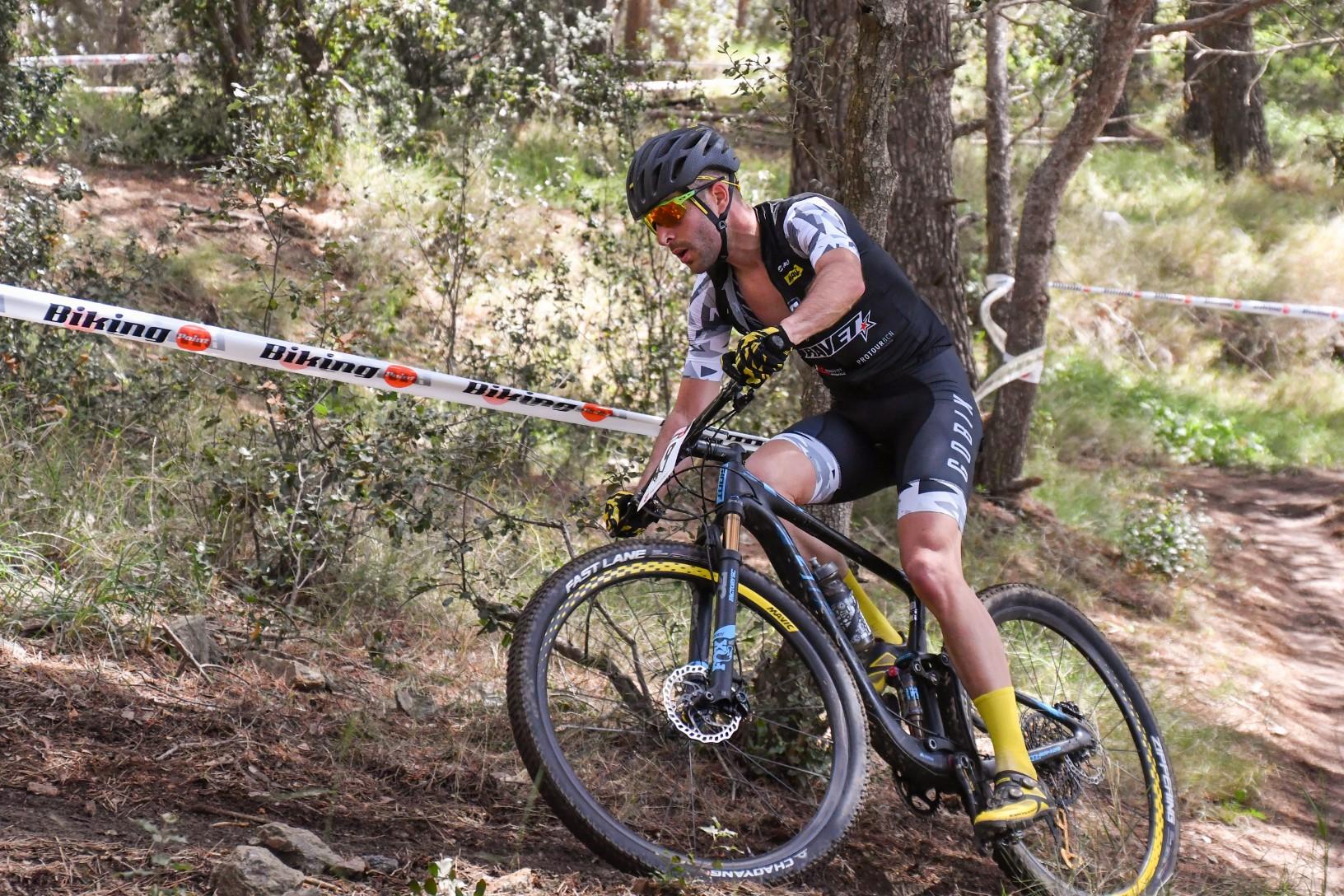 Un espectacular dia de BTT corona a Oliver Avilés i Sandra Santanyes com els millors de la Copa Catalana Internacional Biking Point de Santa Susanna