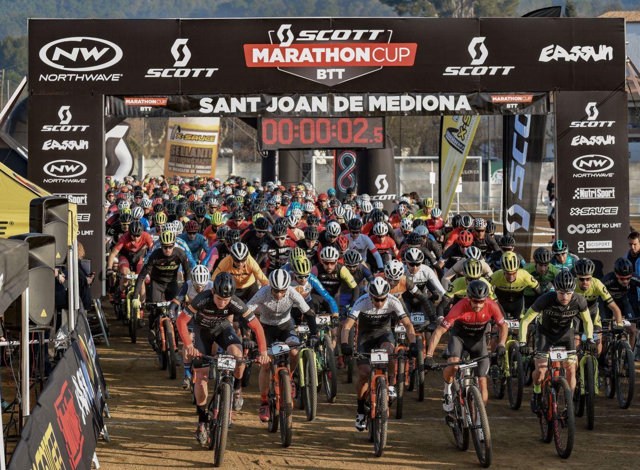 Ever Alejandro resiste y domina los senderos de  la Scott Marathon Cup de Mediona