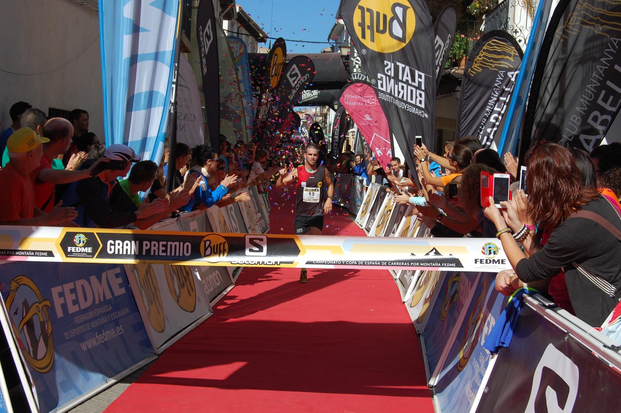 Toni Roldan y Paula Cabrerizo vencen en la Cursa de Muntanya de Vistabella de la Copa de España de Carreras por Montaña en Línea - GP BUFF®-Salomon