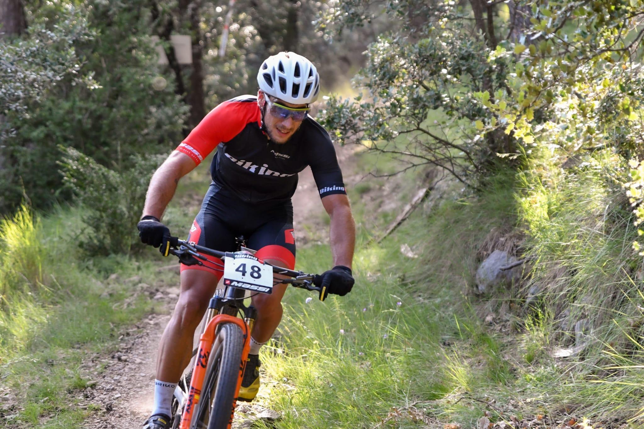 Christofer Bosque apura para ganar y Clàudia Galicia no da ninguna opción en el regreso de la Copa Catalana Internacional Biking Point en La Vall de L