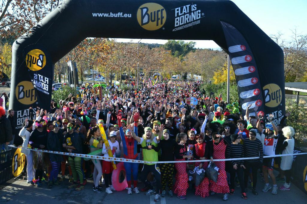 3.500 deportistas llenan de color Montjuïc con la Buff® Epic Run